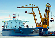 Kaydon Bearings - markets - heavy equipment - ship crane